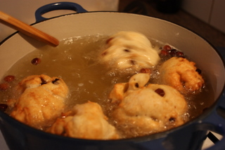 Cook Oilebollen in oil