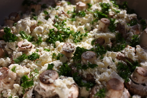 Fetta and garlic mushrooms